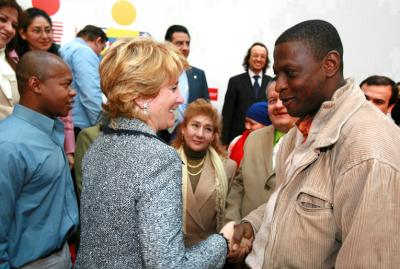 Esperanza Aguirre con un negro