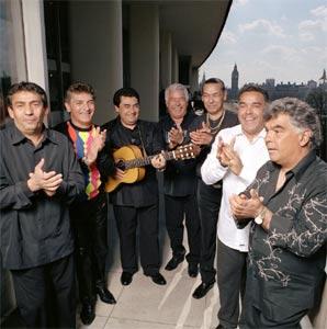 Gitanos cantando