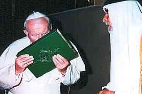 El Papa besa el Corán