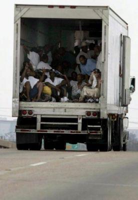 Negritos en camión